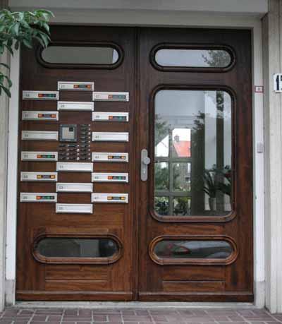 Intercom, ingang van een flat