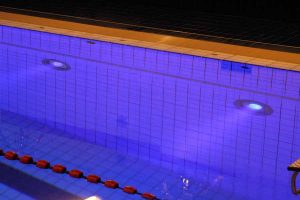 Led verlichting in zwembad
