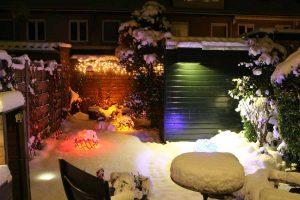 Tuinverlichting met kerstverlichting